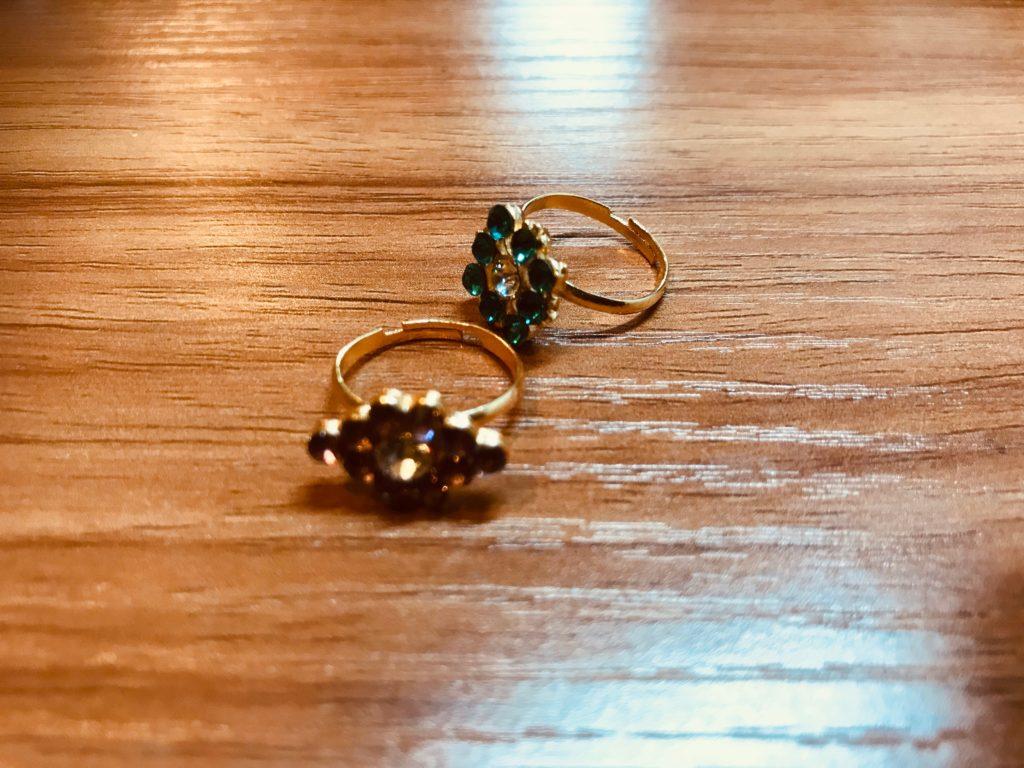 おもちゃの指輪