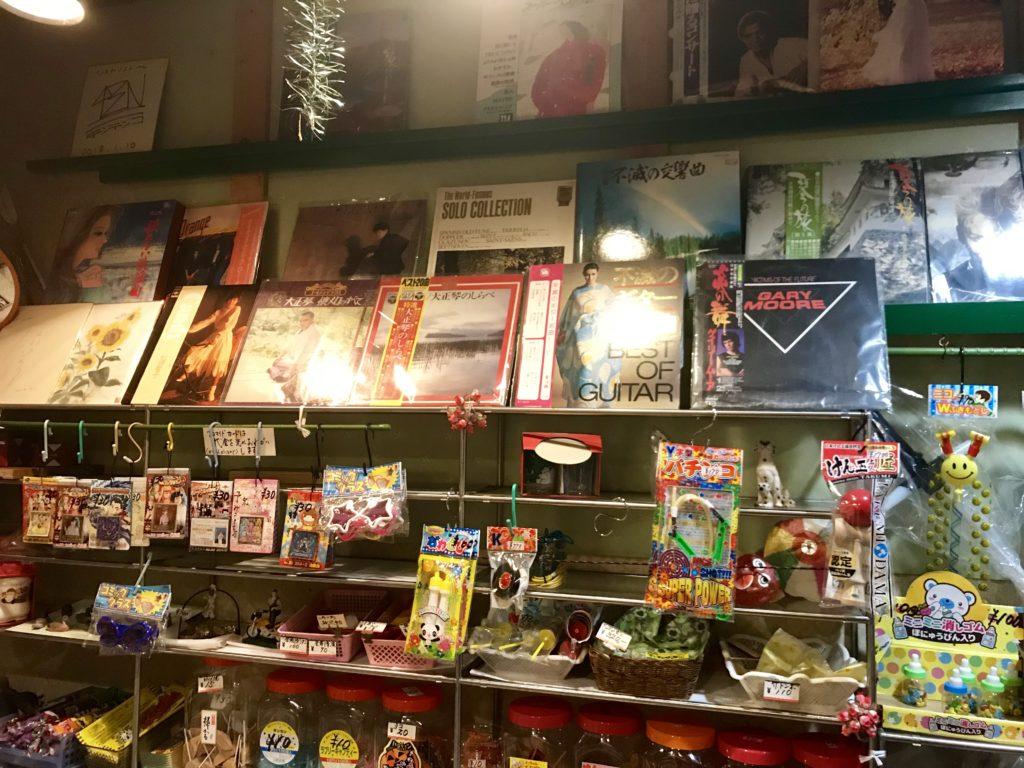 綺麗に並べられたレコード