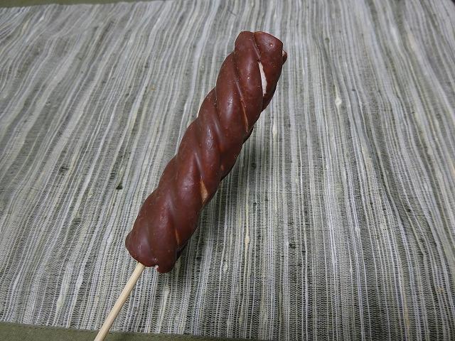 串に刺さったお菓子