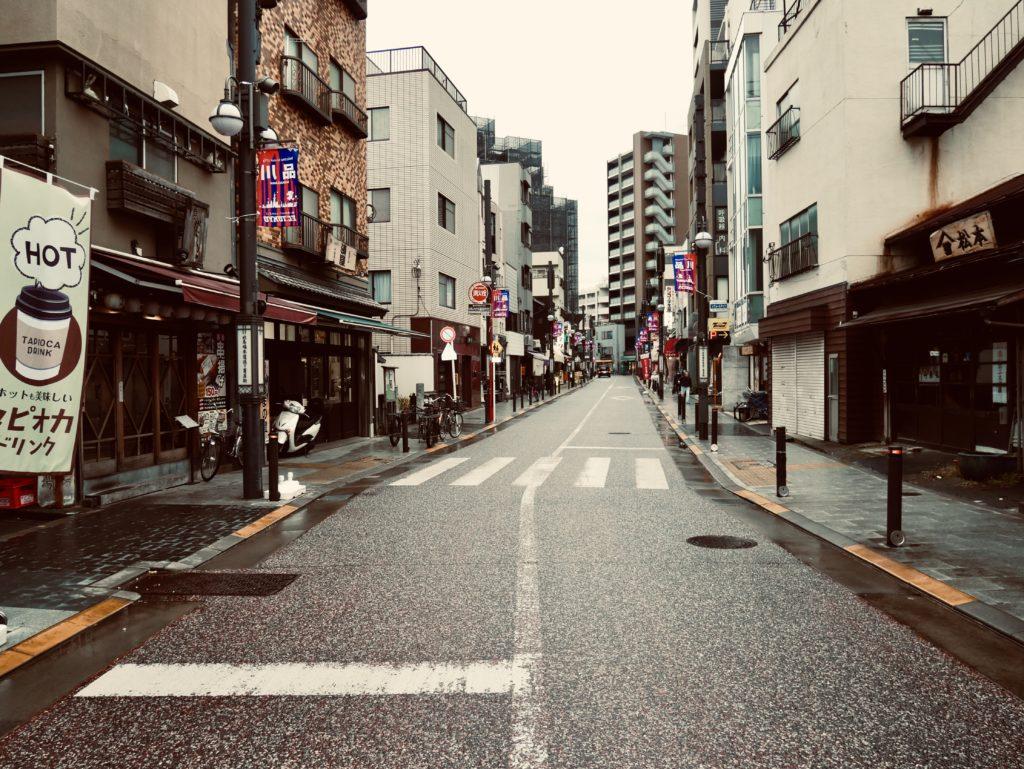 商店街の道